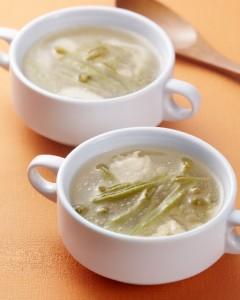 鶏じゅんさいスープ